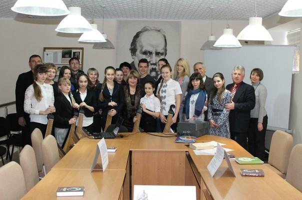Нікопольський економічний університет вшанував пам'ять Великого Кобзаря